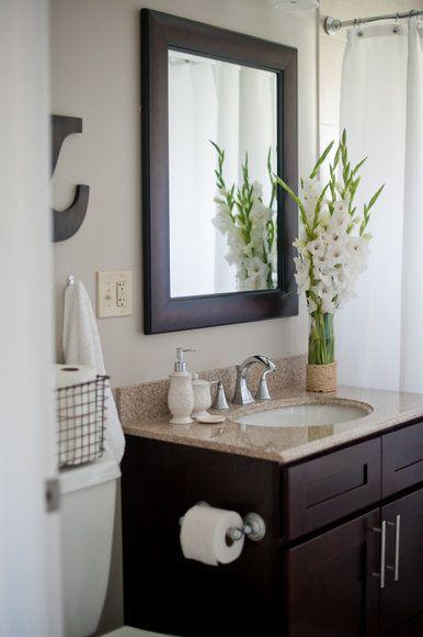 bloemen in badkamer