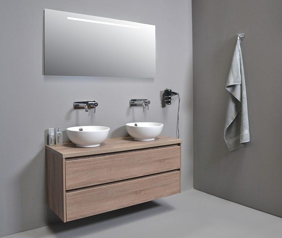 Hangend badkamermeubel met waskom
