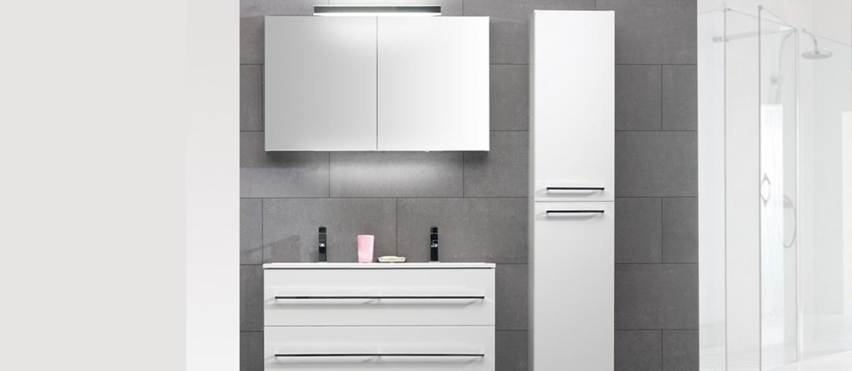 Hoogte Spiegelkast Badkamer.Een Badkamermeubel Plaatsen Zo Doe Je Dat