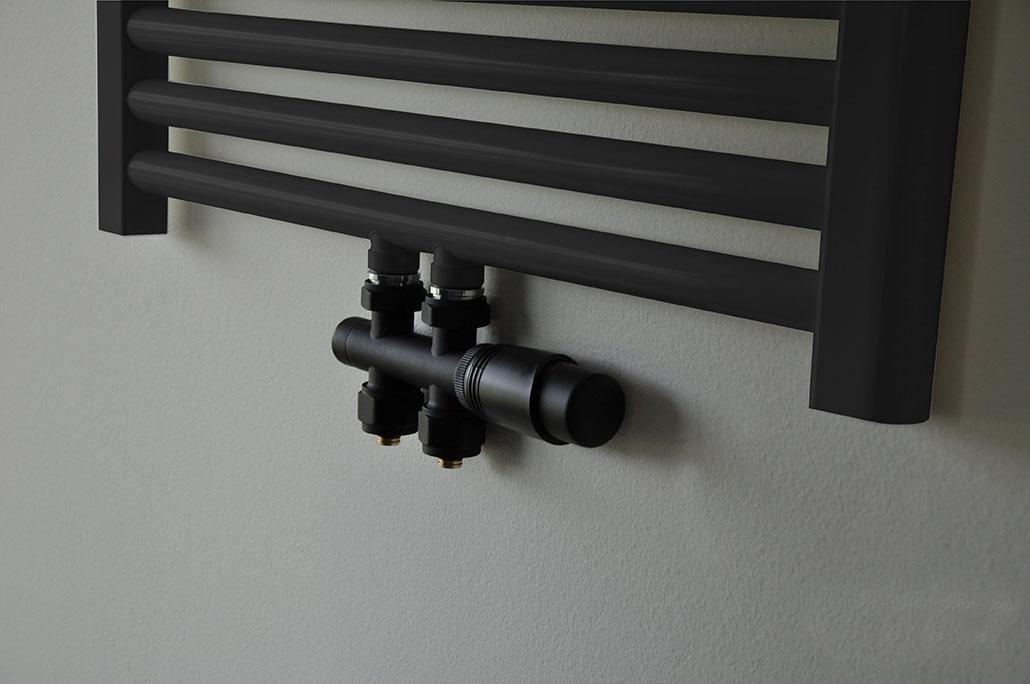 Wiesbaden Riko thermostatisch onderblok recht mat zwart mat zwarte knop