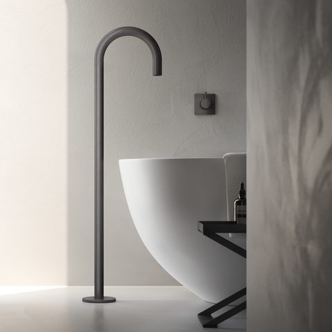 Hotbath Cobber CB076 vrijstaande baduitloop vloermontage zwart chroom