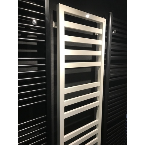 Das Radiatoren Square Space radiator 1200h x500br 543watt 75/65/20 ral 9010 - wit