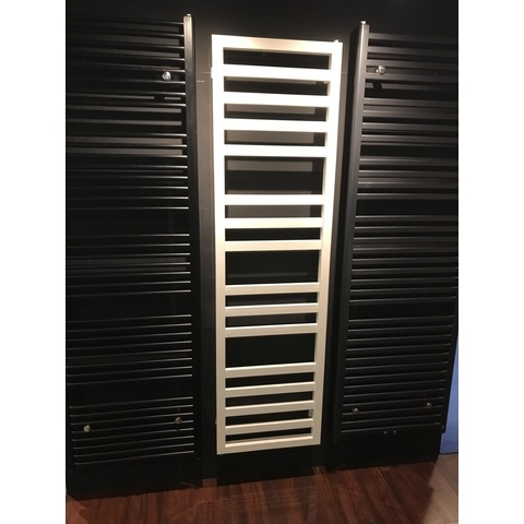 Das Radiatoren Square Space radiator 1500h x600br 779watt 75/65/20 ral 9010 - wit