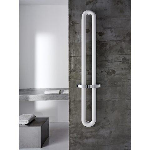Instamat Tubone V designradiator verticaal met handdoekbeugel 150 x 21 cm (H x L) enkele buis wit