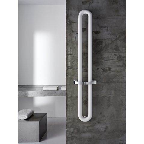 Instamat Tubone V designradiator verticaal met handdoekhouder 200 x 21 cm (H x L) enkele buis wit