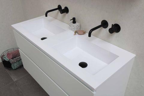 Bewonen Elegant badmeubel met polystone wastafel zonder kraangaten en onderkast 4 laden a-symmetrisch - Cabana oak/Mat wit - 120x46cm (bxd)