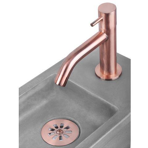 Differnz Ravo fonteinset - kraan gebogen - beton lichtgrijs - koper