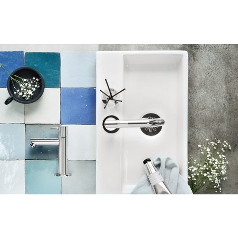 Differnz Ravo fonteinset met zwart frame - kraan gebogen - beton lichtgrijs - chroom