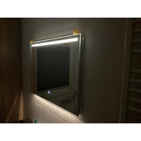 Wiesbaden Ambi one spiegel 60x60 cm met horizontale directe & indirecte LED verlichting & verwarming